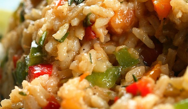 Ориз със зеленчуци и соев сос