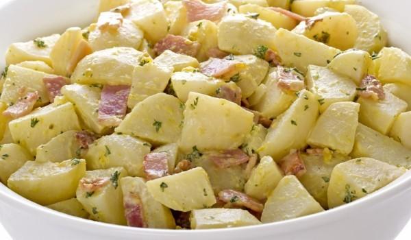 Картофена салата с бекон