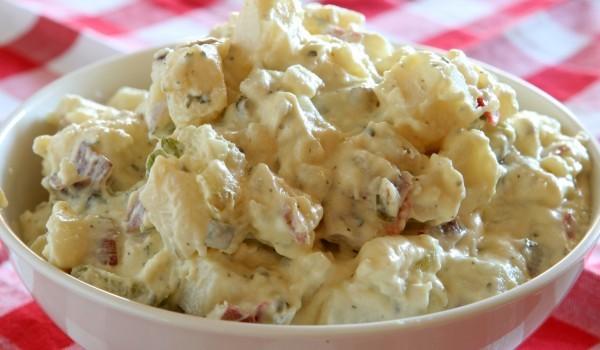 Картофена салата с кисело мляко