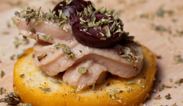 Пастет от риба тон с маслини