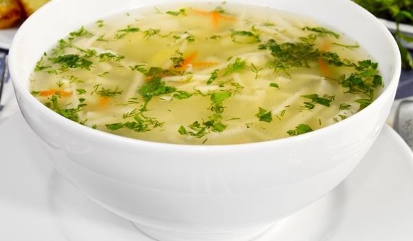 Лятна супа с тиквички и картофи