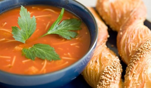Крем супа от домати и фиде