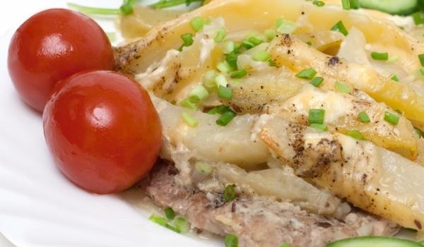 Свинско с картофи със сметана