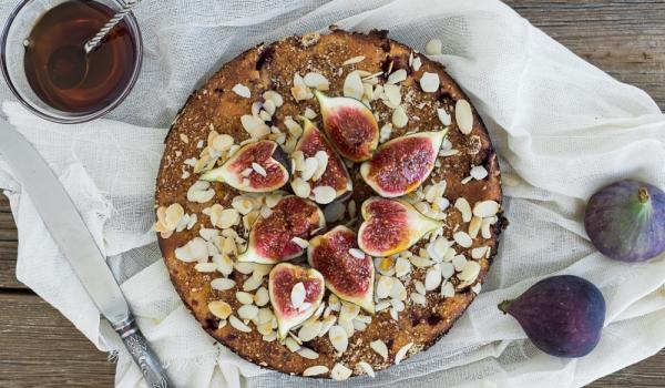 Гръцки сладкиш със смокини и бадеми