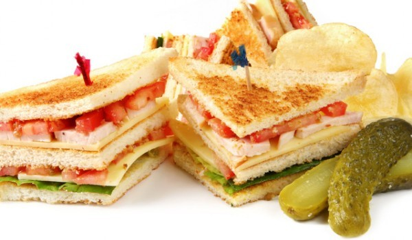 Сандвич със сьомга и гауда