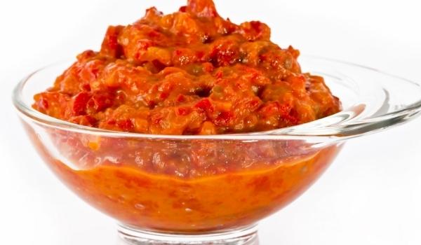 Лют доматен самбал